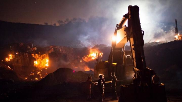 Iran: Cel puţin 70 de mineri, blocaţi în subteran după o EXPLOZIE produsă într-o mină de cărbune