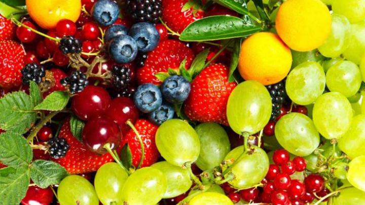 Cele mai toxice fructe din supermarketuri. Ce trebuie să faci înainte de a le mânca