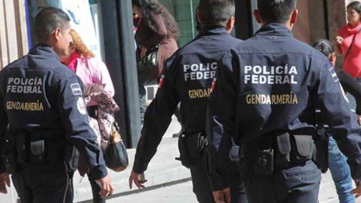 Culmea hoţiei! Trei bărbaţi au jefuit un autobuz în care se aflau 29 de poliţişti