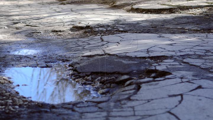Bitumul cu fibre de oţel! Noua tehnologie care va rezolva problema găurilor din asfalt