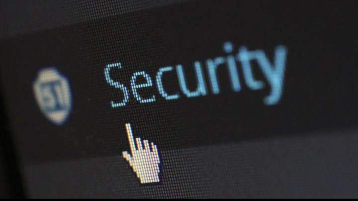 Amenzi USTURĂTOARE pentru hackerii care au spart firme juridice