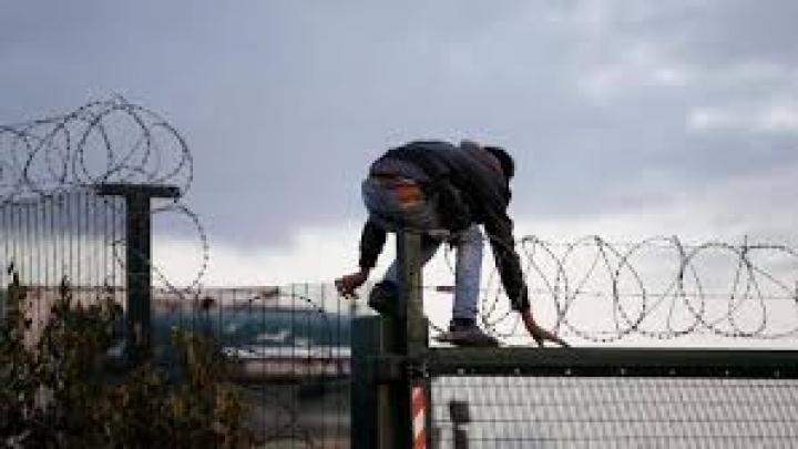 Cincisprezece imigranţi pakistanezi, răpiţi de un grup infracţional