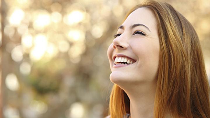 Azi e Ziua mondială a râsului. Ce efect are zâmbetul asupra organismului