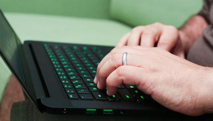 Accesul la site-urile de piraterie pentru filme şi seriale ar putea fi interzis în România