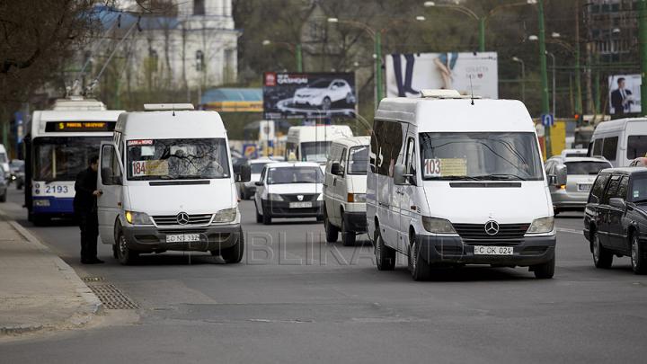 Trafic suspendat pe o stradă din Capitală. Vezi cum va circula transportul public