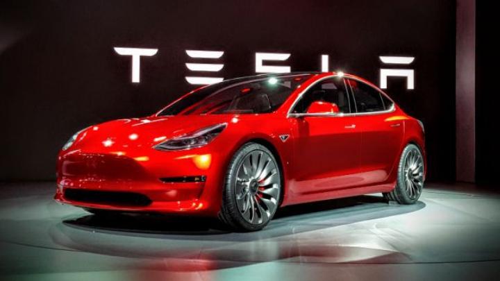 STUDIU: Maşinile electrice vor costa mai puţin decât cele pe benzină până în 2025