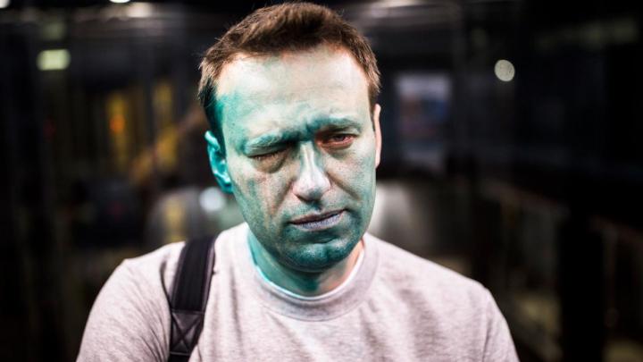 Aleksei Navalnîi și-a pierdut vederea în proporție de 80%, după ce a fost stropit cu un lichid verde