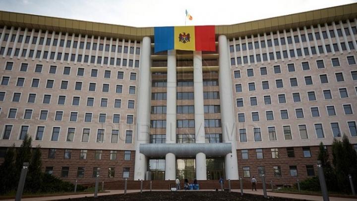 Expoziție inedită de fotografii la Parlament, cu ocazia Zilei mondiale a libertății presei