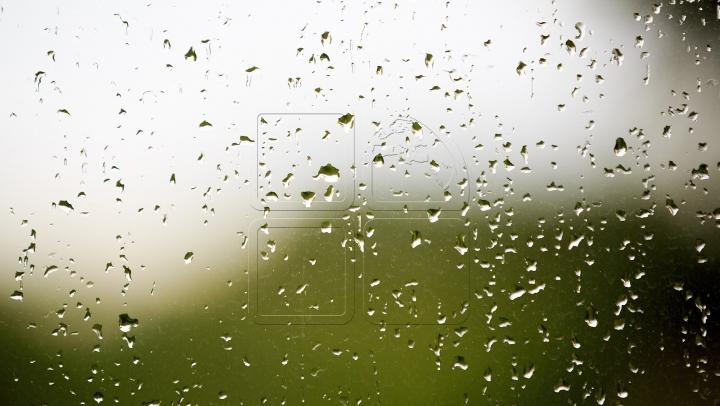 Cer variabil, ploi de scurtă durată cu descărcări electrice. Cum va fi vremea în următoarele zile