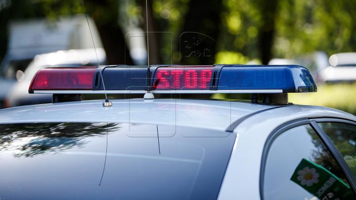 O femeie A ALERTA imediat Poliţia. Ce i-au făcut nişte indivizi care se deplasau cu un Opel prin raionul Cahul