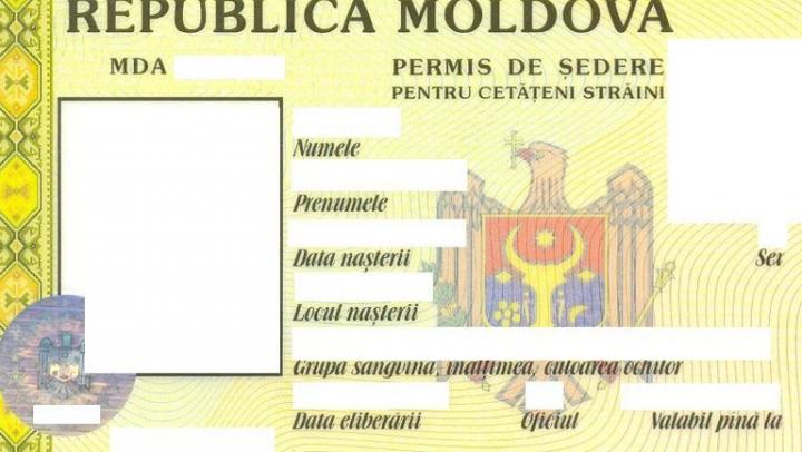 Se REDUCE numărul de documente pentru perfectarea permisului de ședere a străinilor cu scop de muncă în Republica Moldova