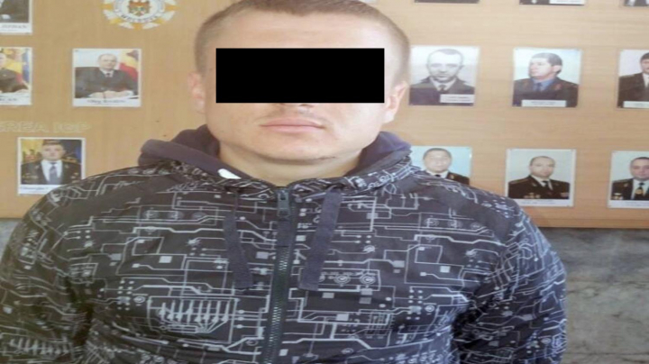 A furat o pereche de cercei: Un bărbat din Stăuceni, reţinut şi cercetat penal de poliţişti (FOTO)