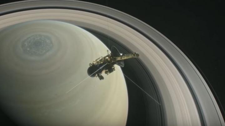 NASA: Spațiul dintre Saturn și inelele sale este surprinzător de GOL (VIDEO)