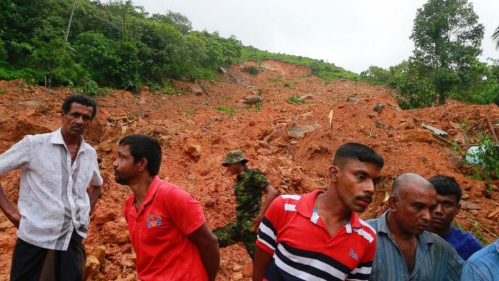 Sri Lanka se confruntă cu alunecări de teren CATASTROFALE, în urma ploilor abundente: 146 de oameni AU MURIT
