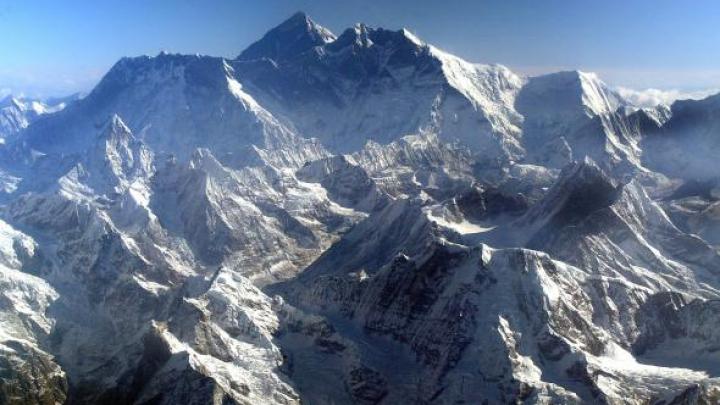 Încă o încercare eşuată. Un alpinist a murit, iar altul este dispărut pe Everest