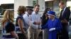 Regina Elisabeta a II-a și Prințul William au vizitat familiile victimelor incendiului de la Grenfell Tower