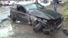 ACCIDENT VIOLENT la Poşta Veche. Un BMW a ieşit pe contrasens şi a intrat în plin într-un microbuz de rută (VIDEO)