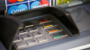 Spărgeau bancomate şi furau MII DE LEI. Cinci indivizi din Sângerei şi Căuşeni, REŢINUŢI (VIDEO)