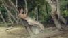 Irina Negară, în ipostaze fierbinţi în videoclipul proaspăt lansat al lui Adrian Ursu (VIDEO)