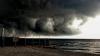 Vântul şi ploile fac ravagii în Ucraina şi România