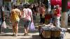 Mii de străini caută o viaţă mai bună în Moldova. Câte permise de şedere au fost oferite în 2016