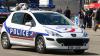 ALERTĂ: Un polițist a fost atacat cu armă albă în zona Catedralei Notre Dame
