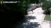 Ajută poliţia să găsească suspectul. Bărbatul din imagini a jefuit o femeie în plină stradă (VIDEO)