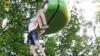 Scene de groază. O fată de 14 ani a alunecat din telegondolă (VIDEO)
