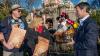 Un bărbat merge la Disneyland în fiecare zi. Care este scopul lui