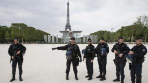 Zona Champs Elysees din Paris a fost înconjurată de poliţişti
