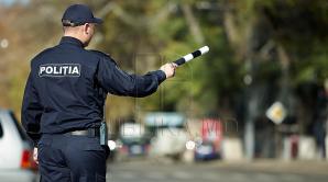 IMAGINI DE GROAZĂ în raionul Basarabeasca! Momentul în care un poliţist este lovit cu maşina de un şofer beat (VIDEO)