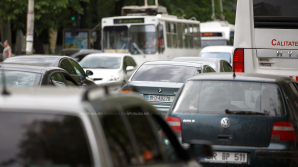 Împăratul împăraţilor! Cum şi-a parcat maşina un şofer din Capitală (FOTO)