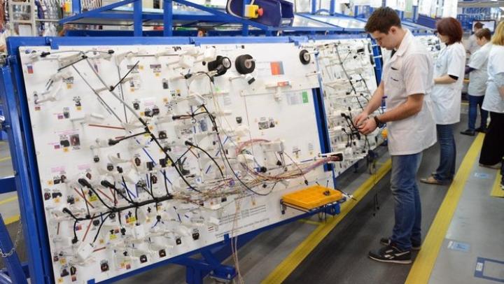 """COMPROMIS între angajaţii şi angajatorii fabricii """"Fujikura"""" din Chişinău. Situaţia de la filiala fabricii nipone s-a ameliorat"""
