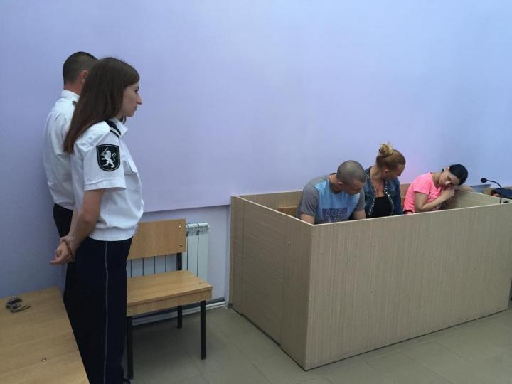 (PRIMELE IMAGINI) Cazul bebeluşului din Bălţi, vândut de părinţi. Astăzi a avut loc prima şedinţă de judecată