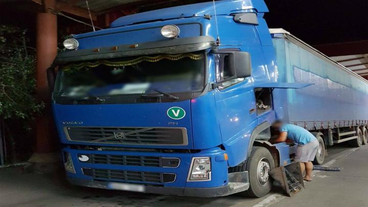 Un autocamion furat în Germania a fost descoperit la Vama Sculeni