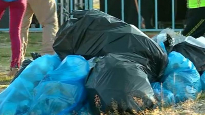 Un primar le trimite prin poştă pungile cu gunoi celor care le aruncă la întâmplare