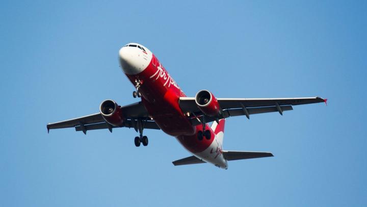Un avion cu destinaţia Malaezia a făcut cale întoarsă din cauza problemelor tehnice