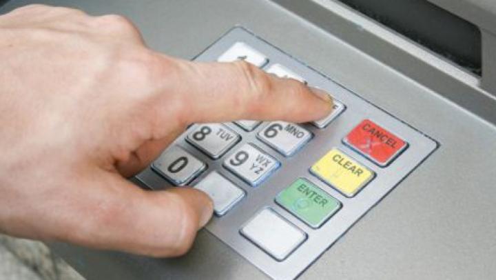 50 de ani de la utilizarea primului bancomat. Vezi cum a fost marcat evenimentul