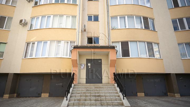 Au crezut că stăpânii nu sunt acasă şi au dat buzna într-un apartament din sectorul Buiucani. Ce a urmat