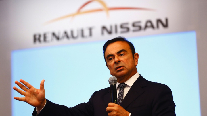 Carlos Ghosn rămâne directorul Renault