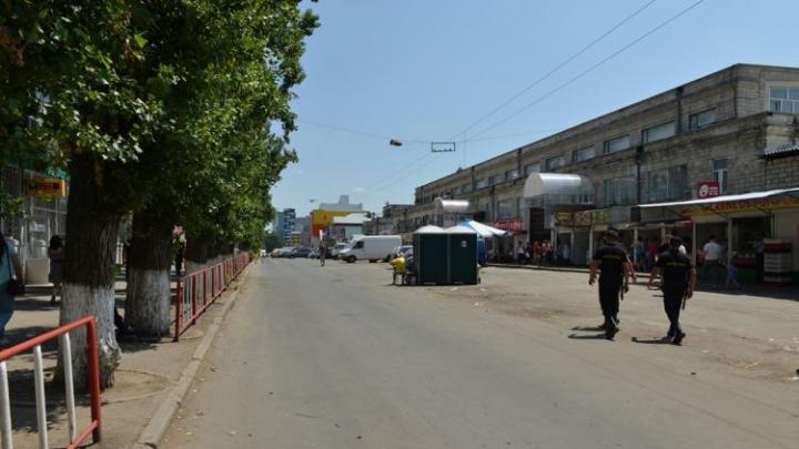 O nouă faţă a Pieţei Centrale. Străzile au fost eliberate de mizeria comercianţilor stradali