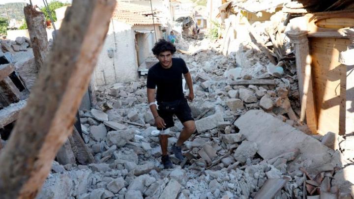 Stare de urgenţă pe insula Lesbos în urma cutremurului care a ucis o persoană şi a rănit alte zeci (FOTOREPORT)