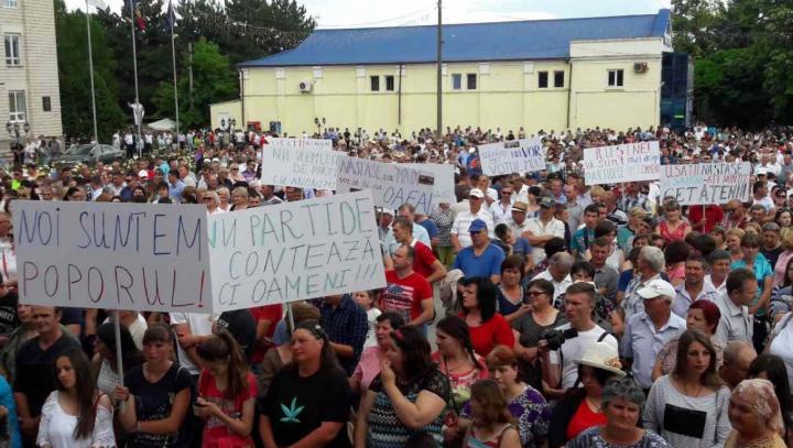 Mitinguri de amploare în susţinerea votului mixt: Vreau ca Moldova să fie prosperă (FOTO)