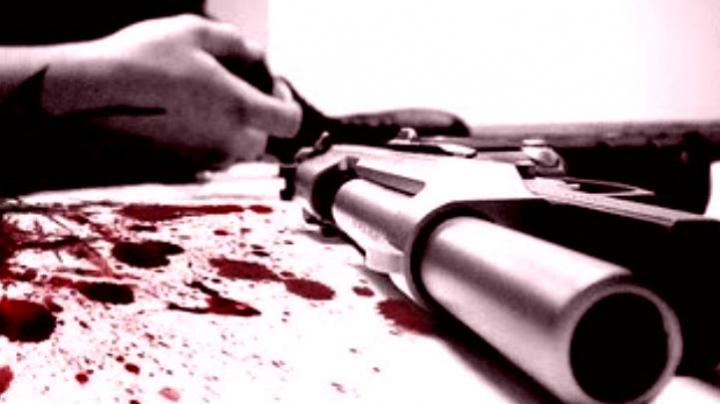 CAZ TERIFIANT în raionul Teleneşti: Un bărbat s-a împuşcat în cap. Motivul este CUMPLIT
