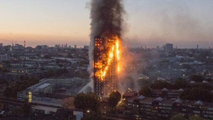 INCENDIUL DEVASTATOR de la Londra: Cel puțin 30 de răniți. Flăcările sunt de neoprit