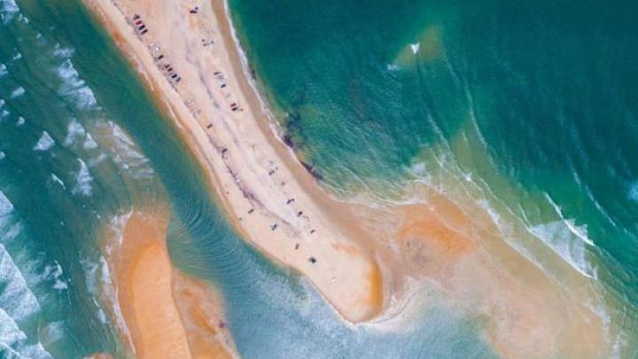 A apărut o nouă insulă în Altantic. Cât de mare e cel mai nou pământ de pe Terra