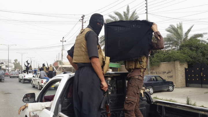 MASACRU la Mosul. Statul Islamic a ucis 163 de persoane care încercau să evadeze din oraş