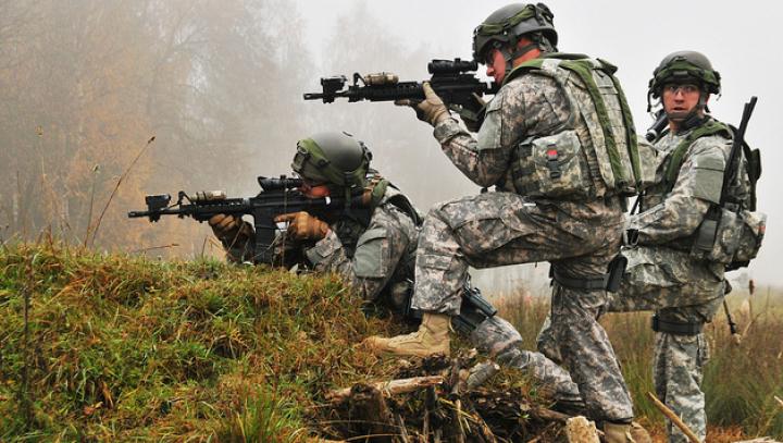AVERTISMENTUL lui Stoltenberg: NATO va supraveghea îndeaproape manevrele militare ruso-belaruse