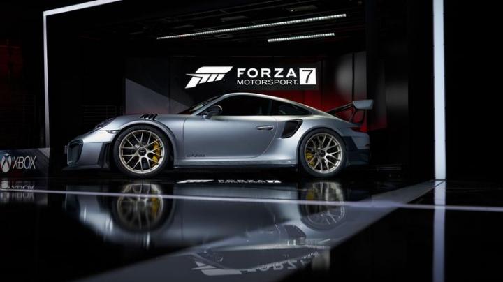 Porsche a lansat o nouă mașină: Un bolid cu tracțiune spate și 700 de cai putere