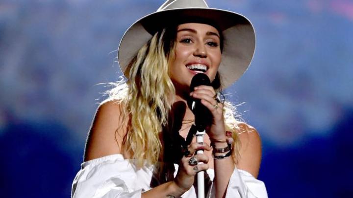 Însărcinată sau nu? Ce spune Miley Cyrus